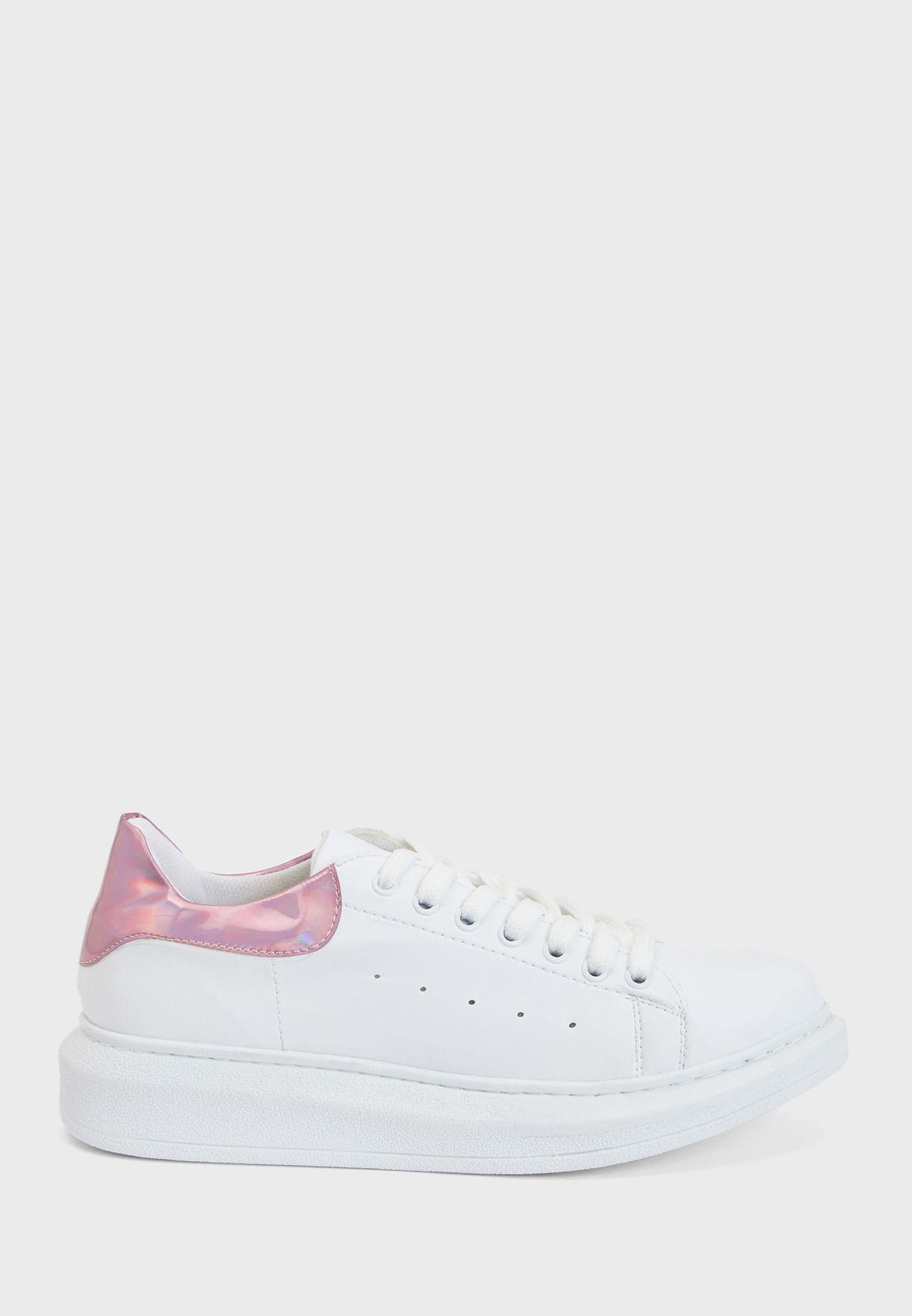 حذاء سنيكرز بلاتفوروم