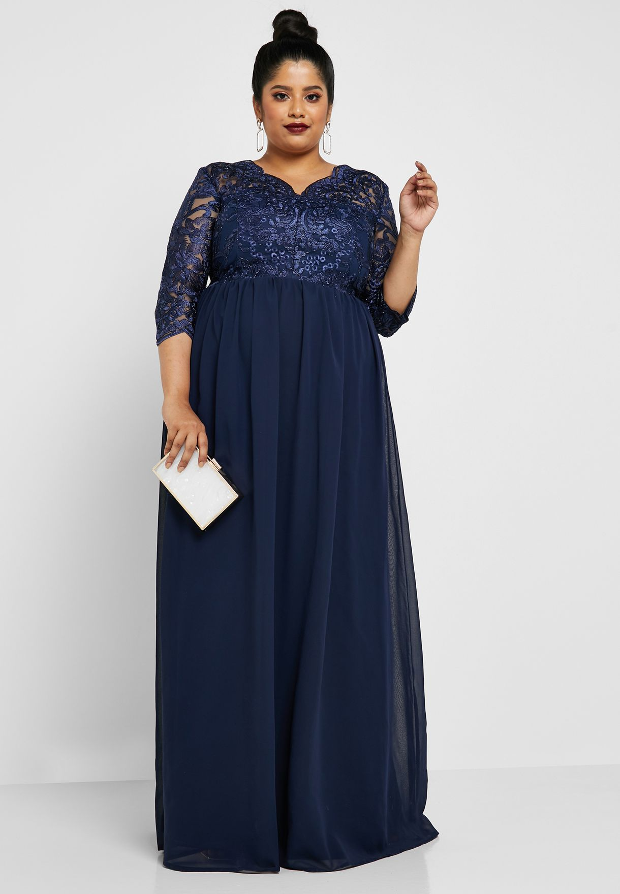 Lace Scallop Neck Detail Maxi Dress