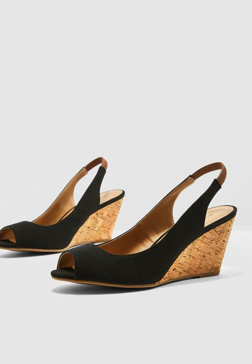 Aristata Wedge Sandal