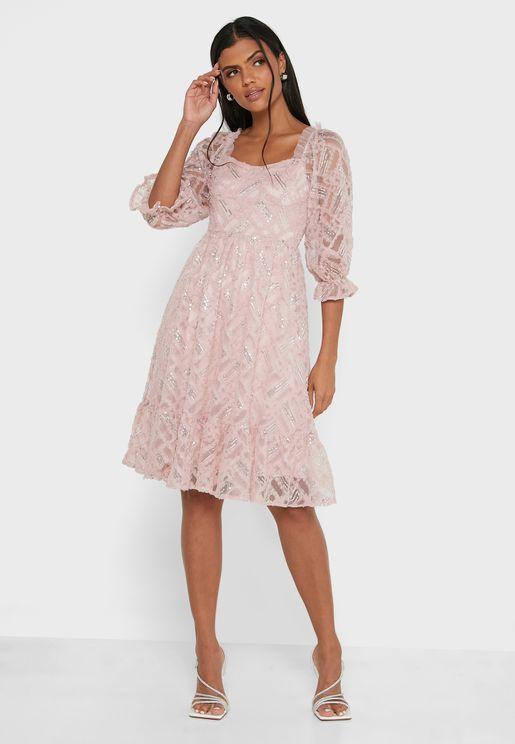 فستان ترتر بياقة مربعة