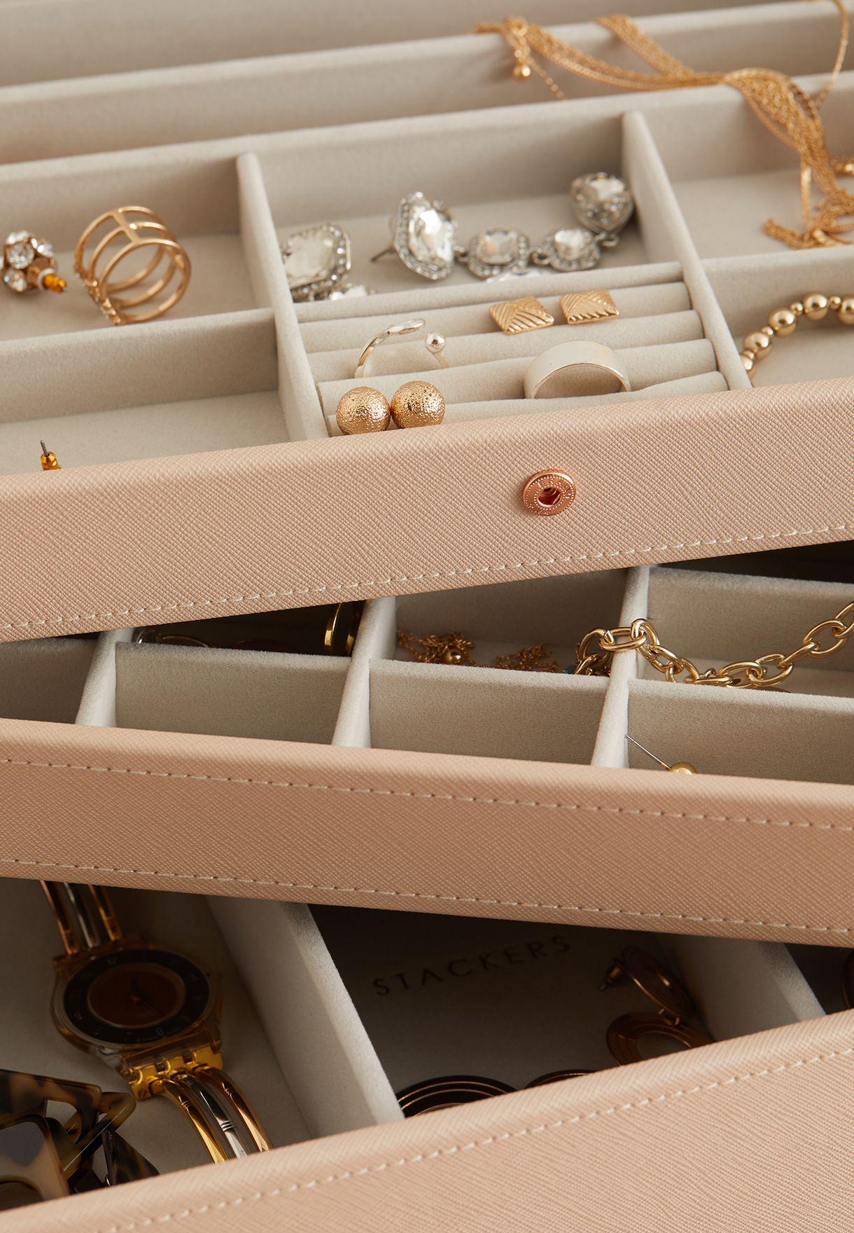علبة مجوهرات كلاسيكية