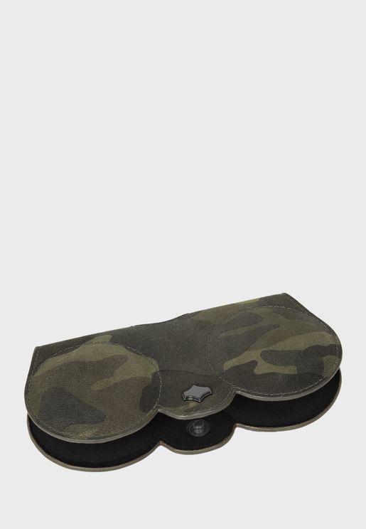 حافظة نظارة شمسية بطبعات جيش