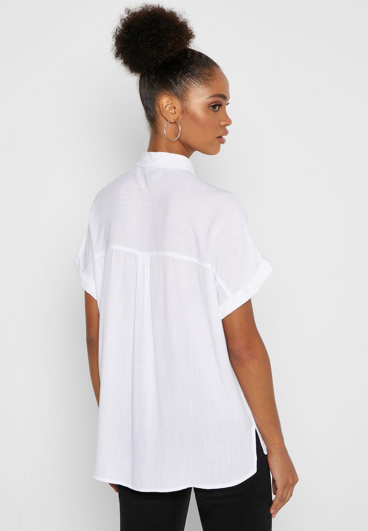 قميص باكمام مطوية