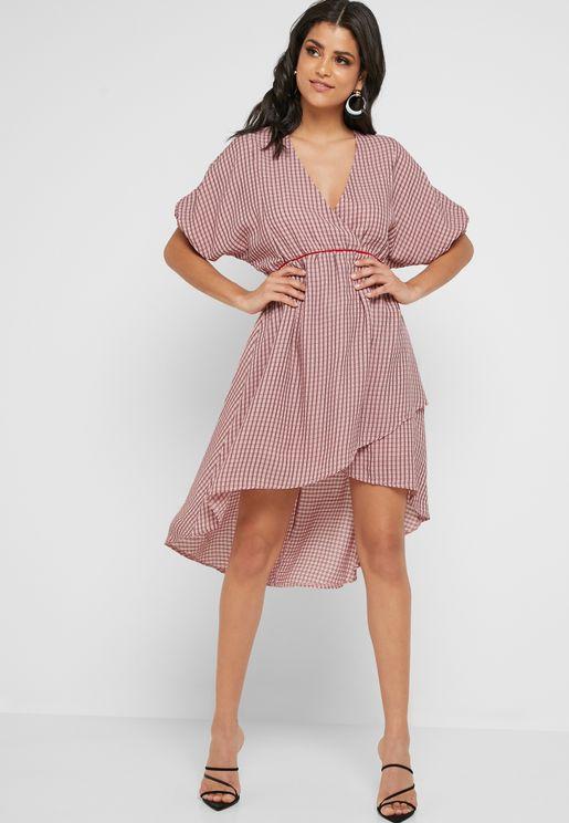 فستان ميدي بطبعات خطوط