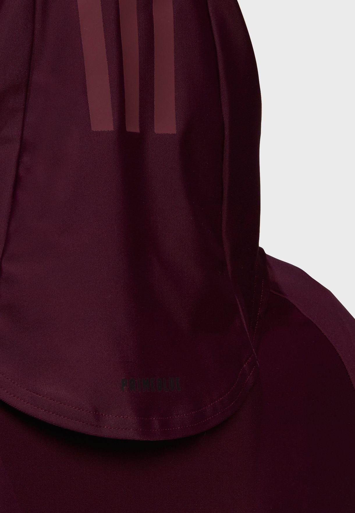 حجاب سباحة بخطوط الماركة