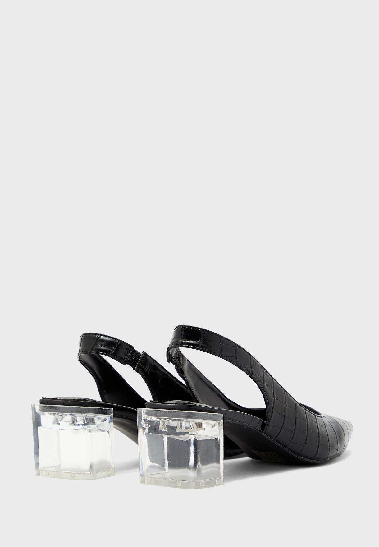 حذاء بكعب عالي شفاف