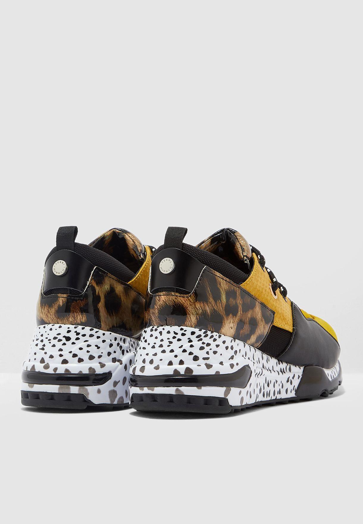 Cliff Low-Top Sneaker - Yellow