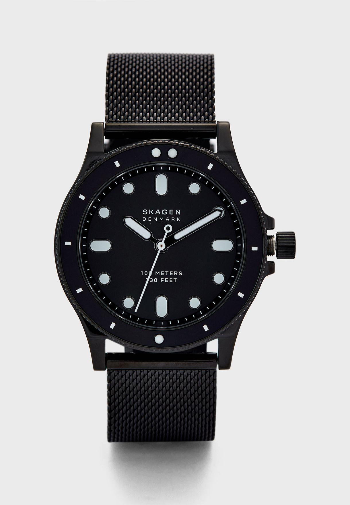Mesh Strap Analog Watch