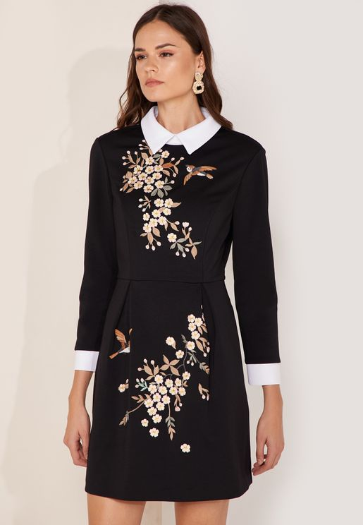 Graceful An Faux Fur Collar Embroidered Dress