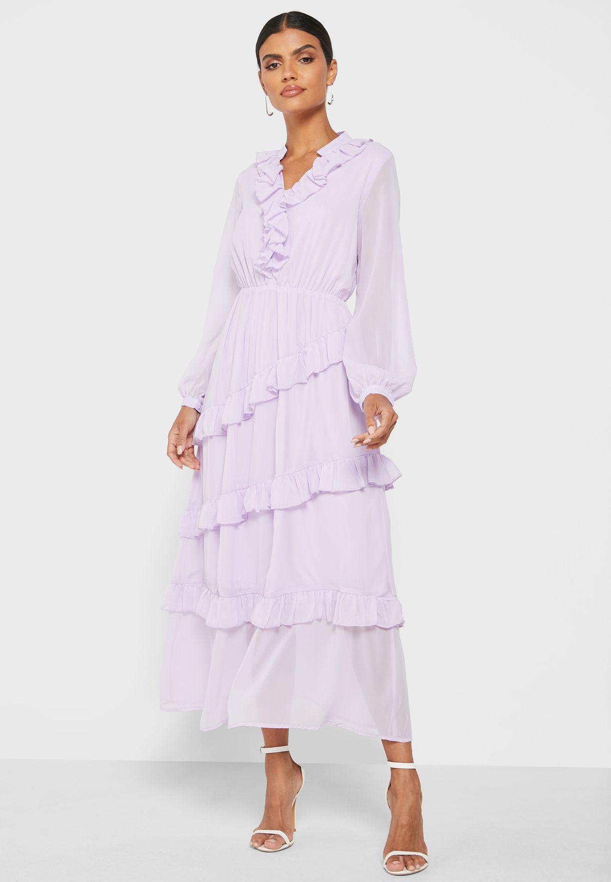 فستان مزين بالكشكش