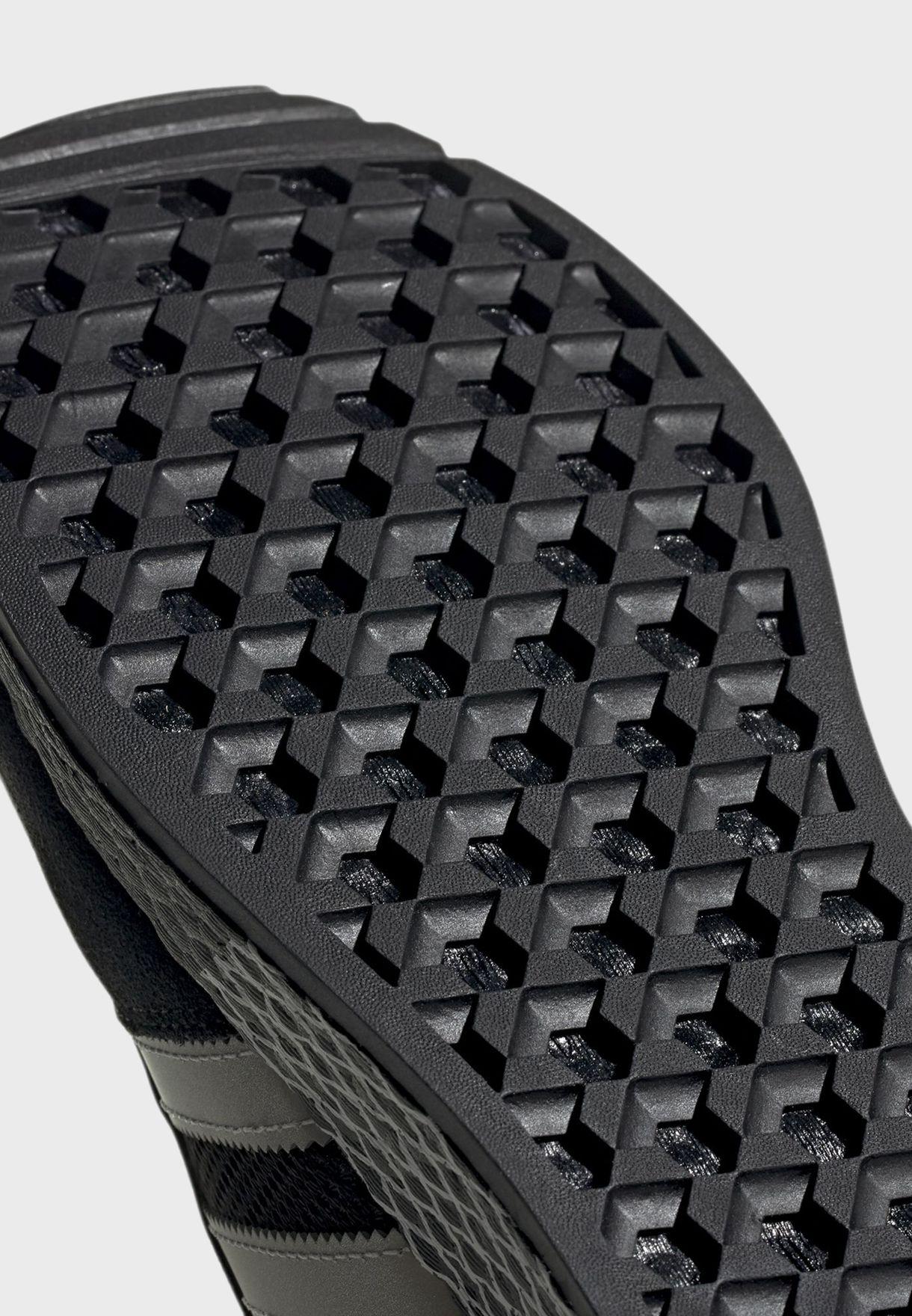 حذاء ماراثون تيك