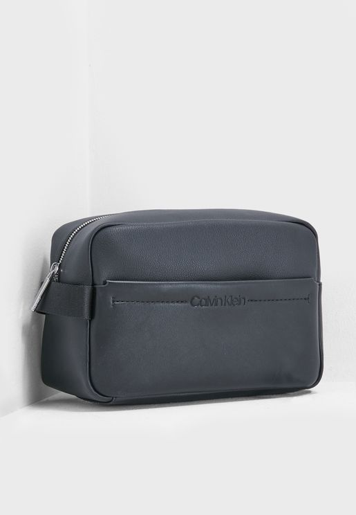 345fa743319e Wash Bags for Men