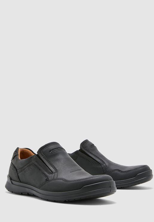 حذاء هاويل