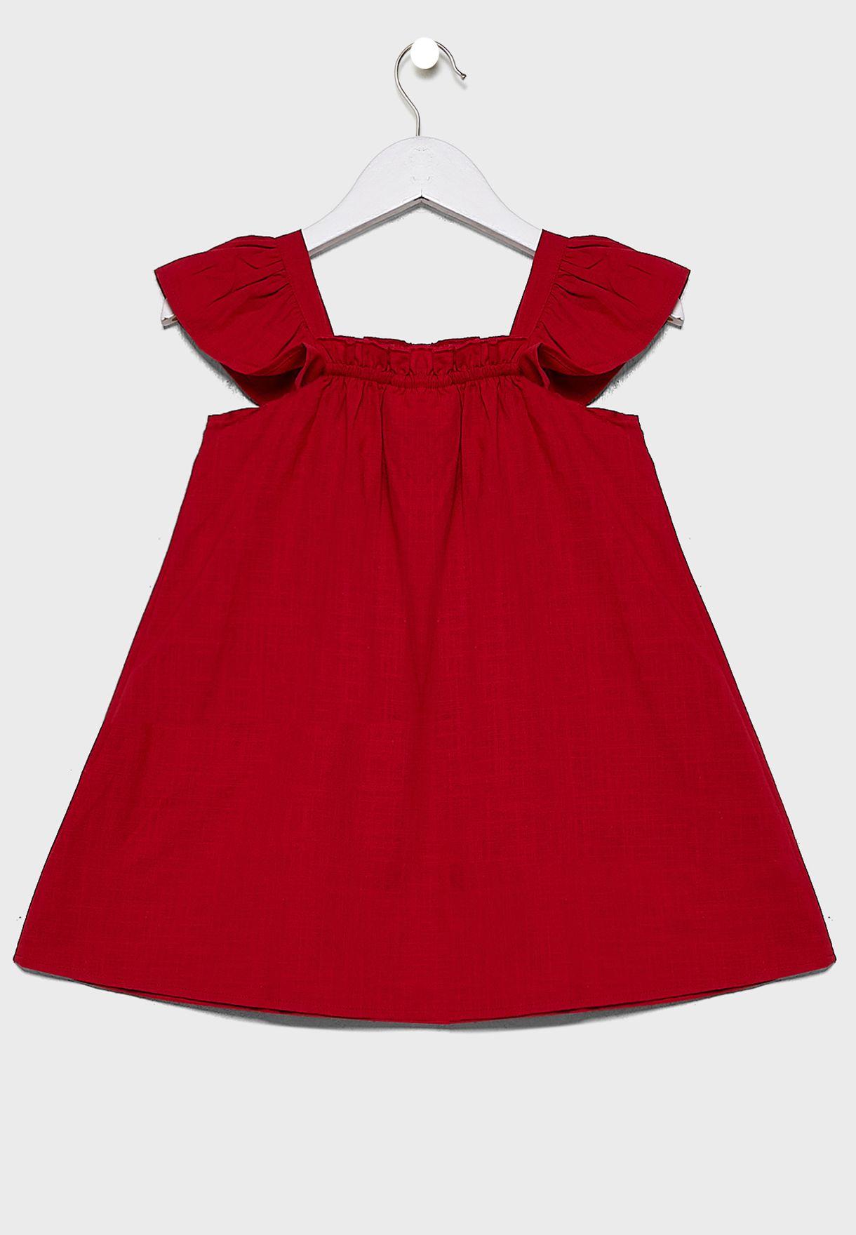فستان بأكمام مكشكشة