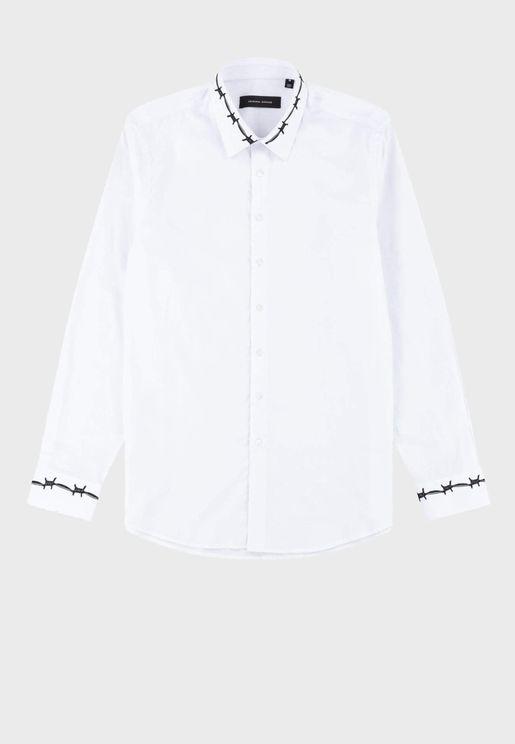 قميص مزين بتطريز