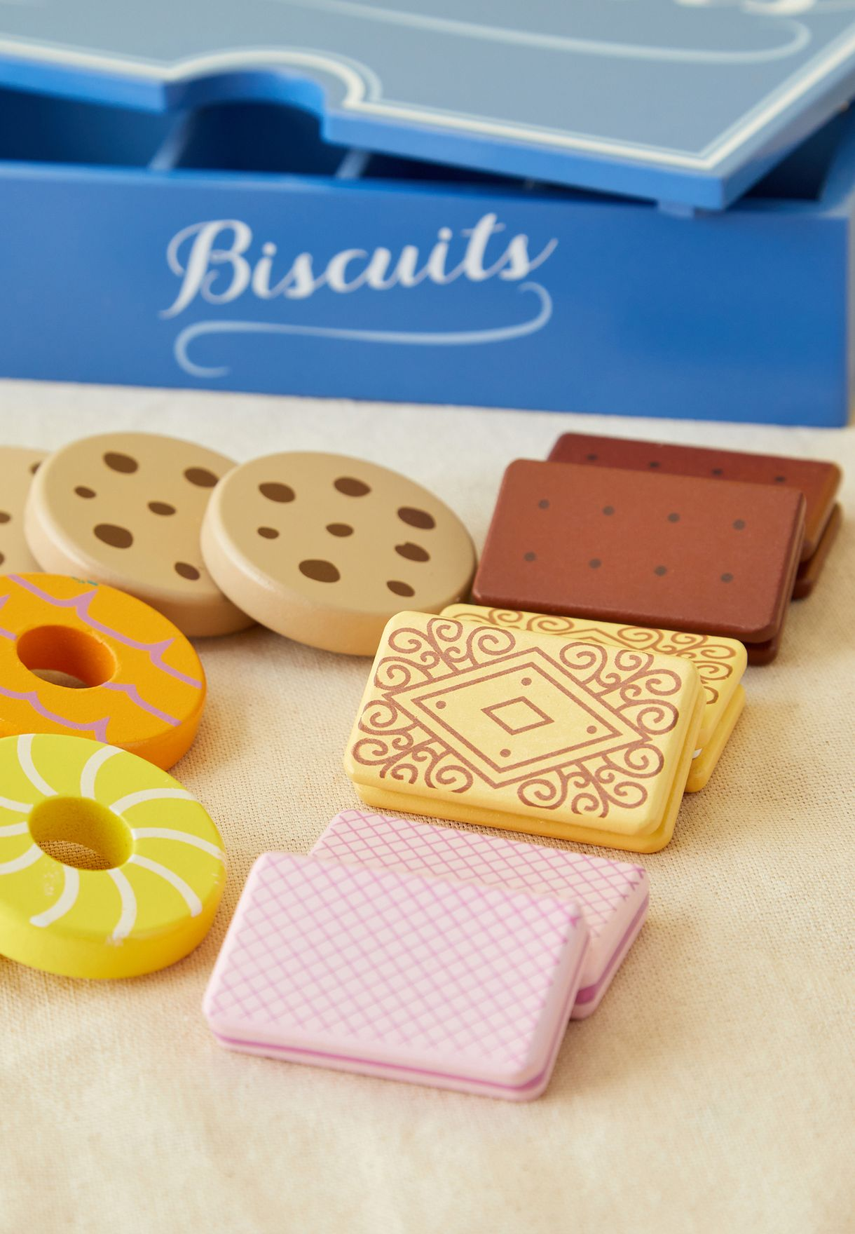 Wooden Biscuit Set