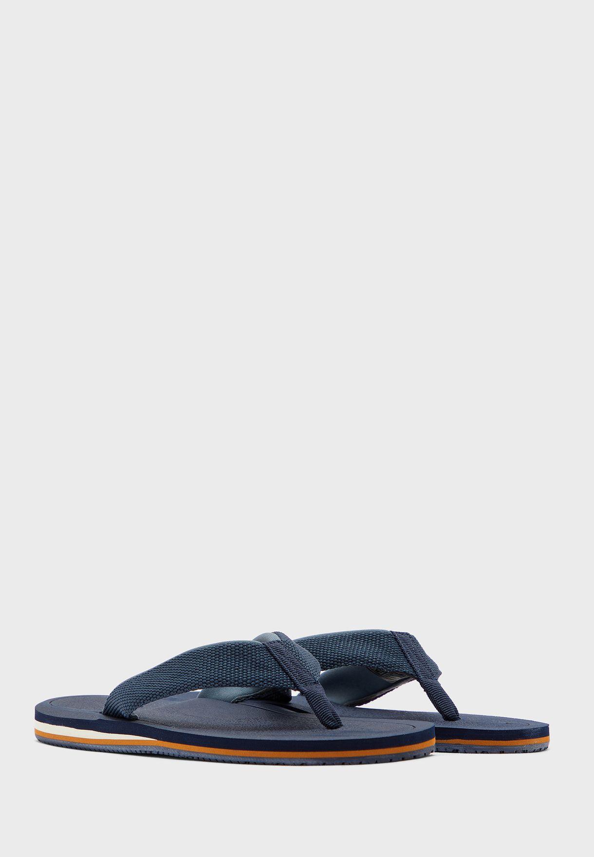 Larerallan Flat Sandal