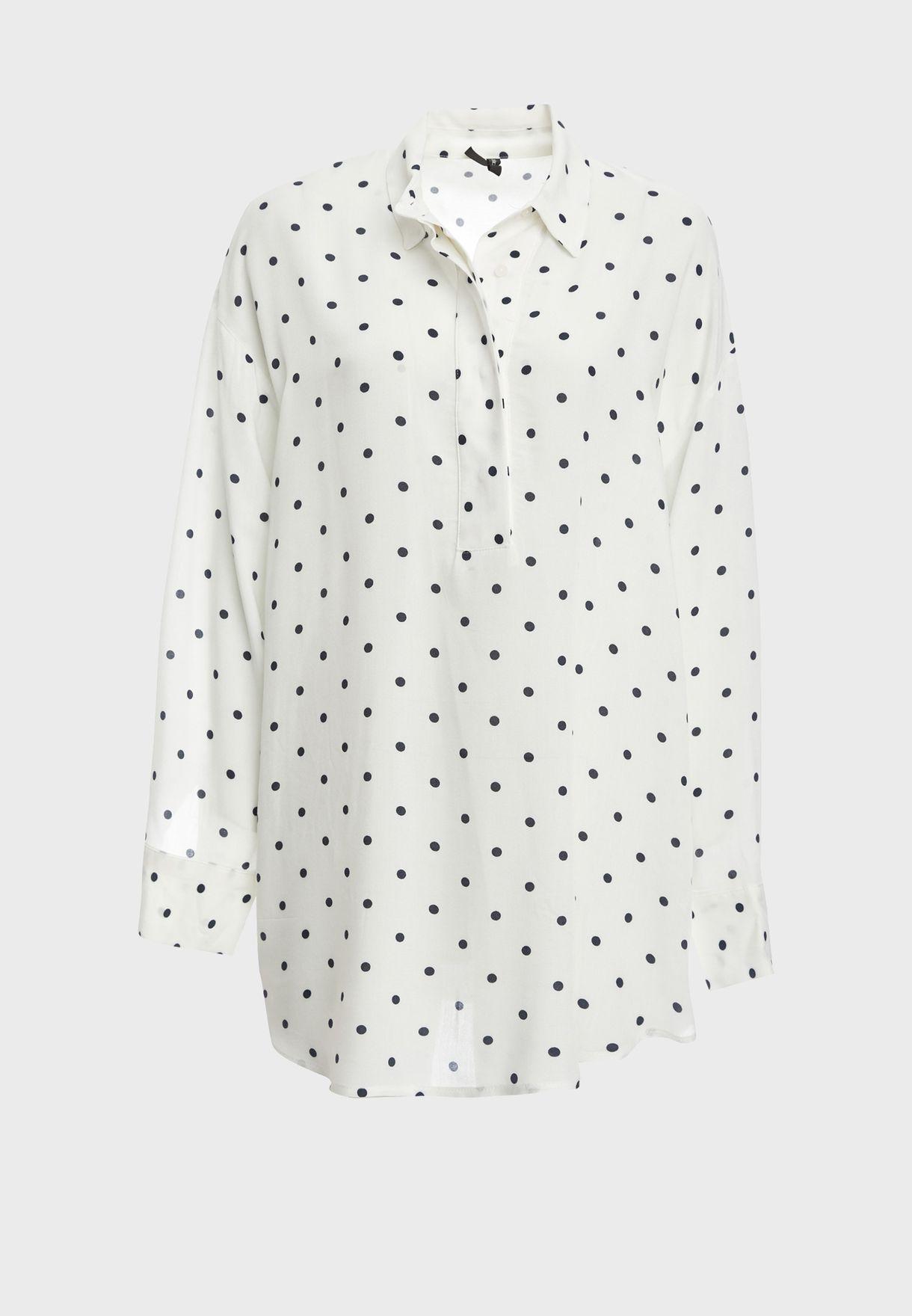 بلوزة طويلة بنمط قميص منقط