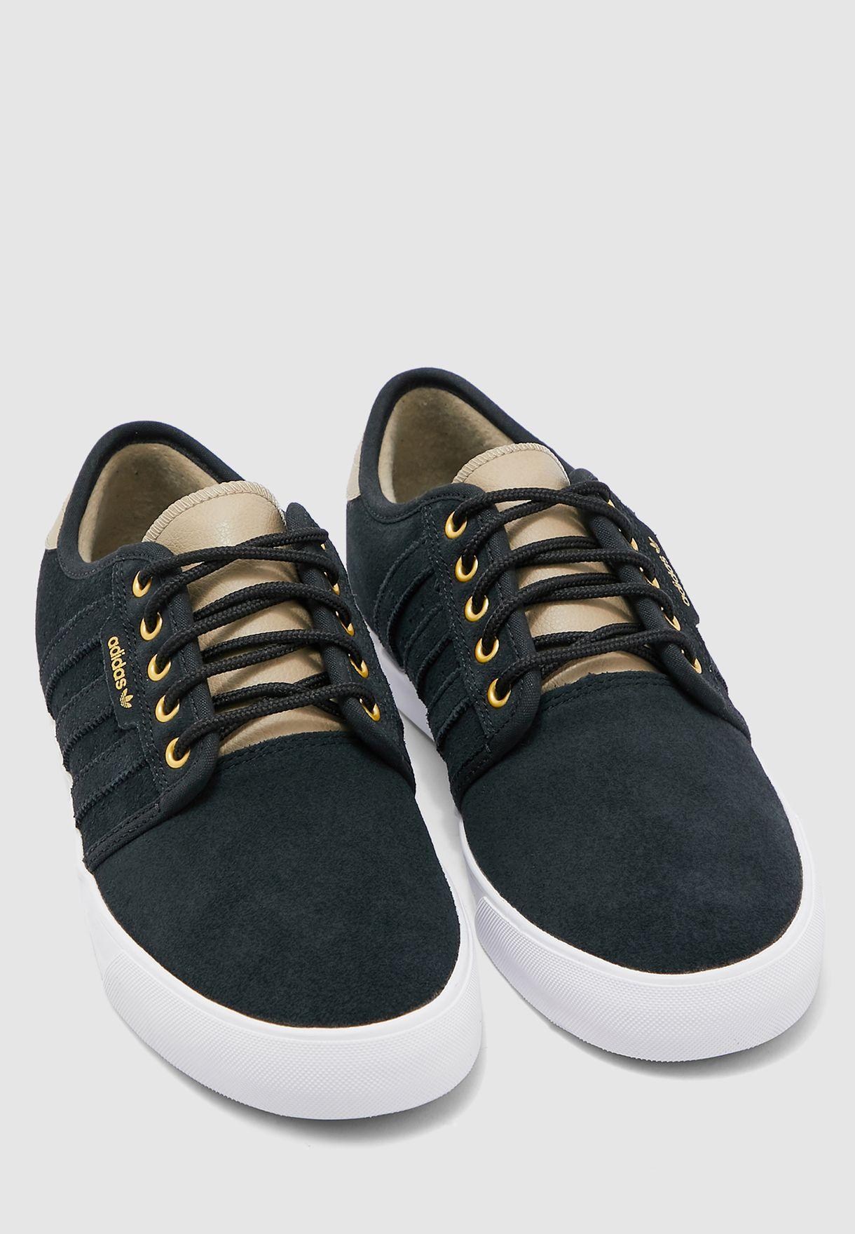 Desviarse Jadeo Mirar furtivamente  Buy adidas Originals black Seeley for Men in MENA, Worldwide | EE6128