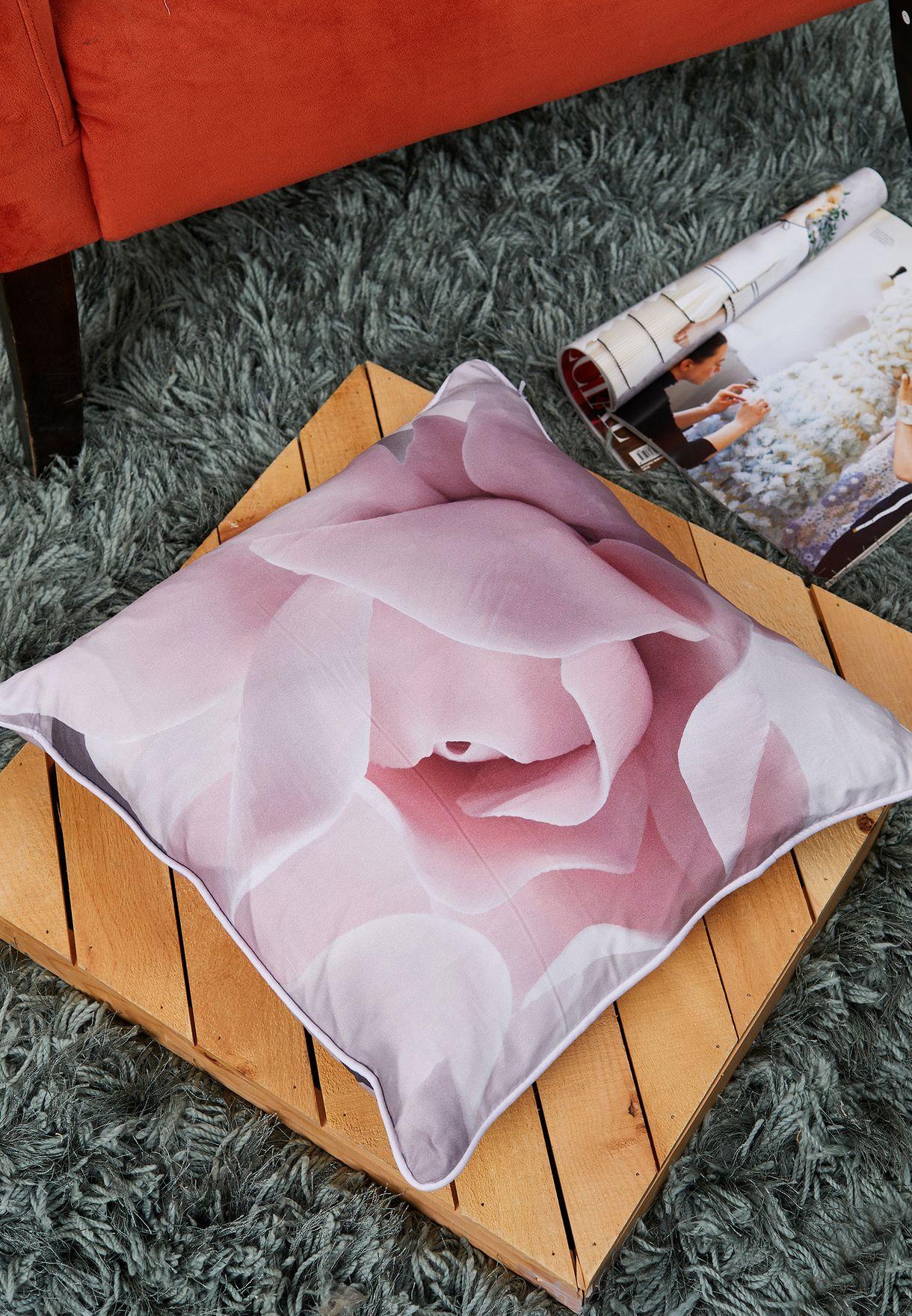 وسادة بطباعة وردة