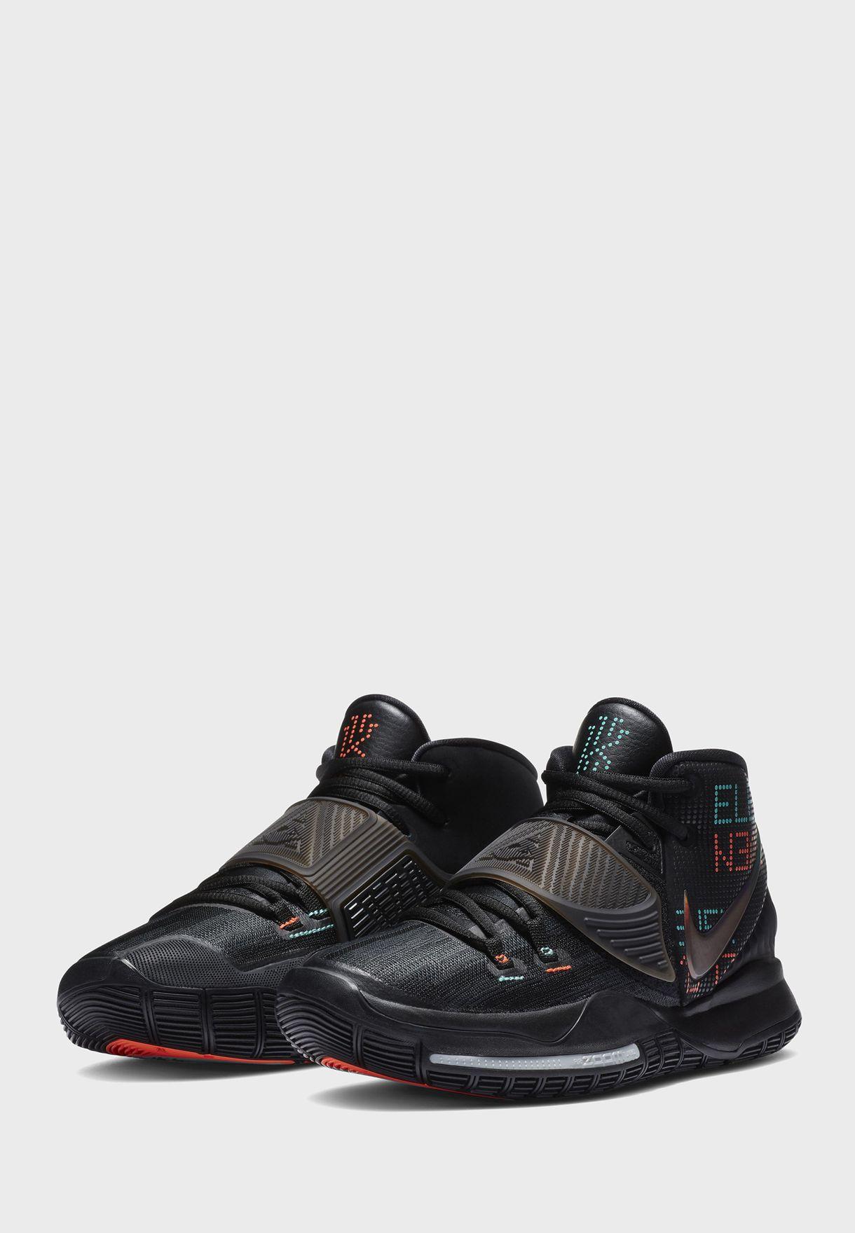 حذاء من مجموعة كايري ايرفنغ