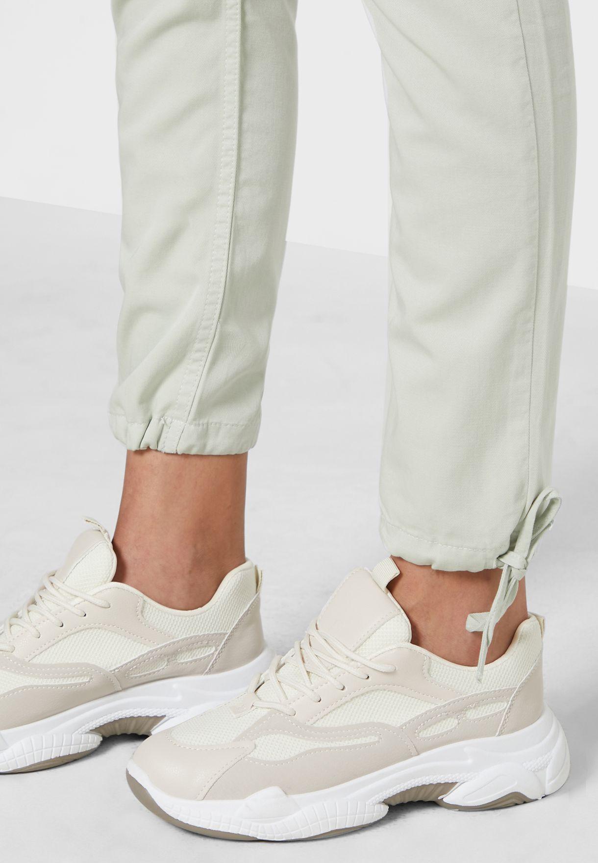 Cuff Tie Detailed Jeans