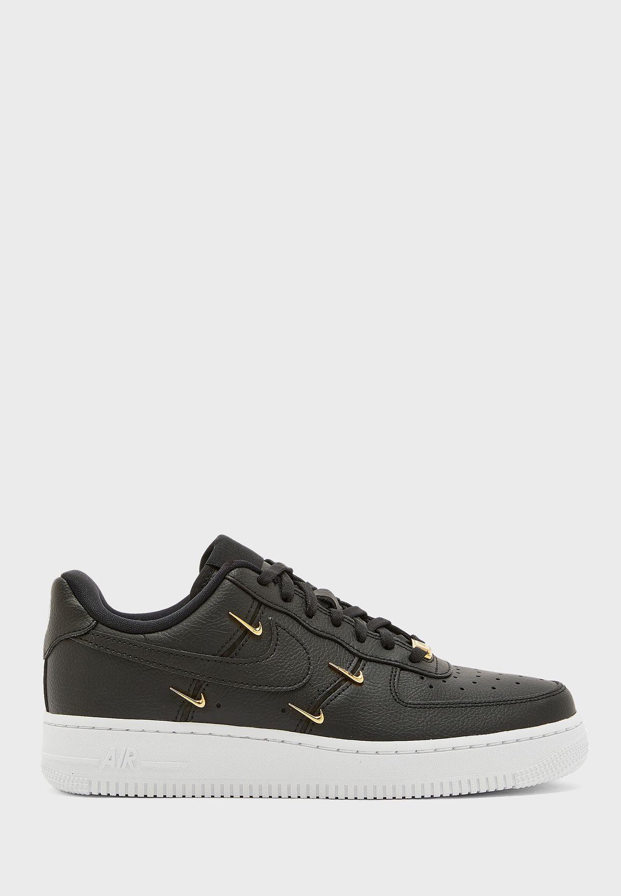حذاء اير فورس  1'07 اس ال اكس