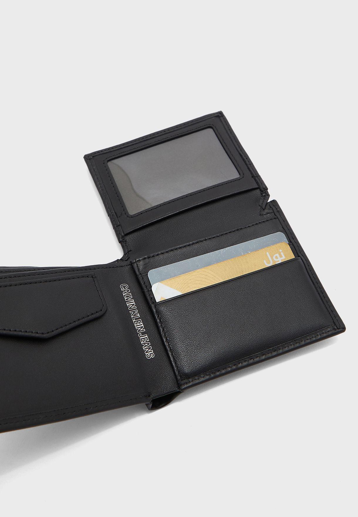 محفظة جلد كلاسيكية