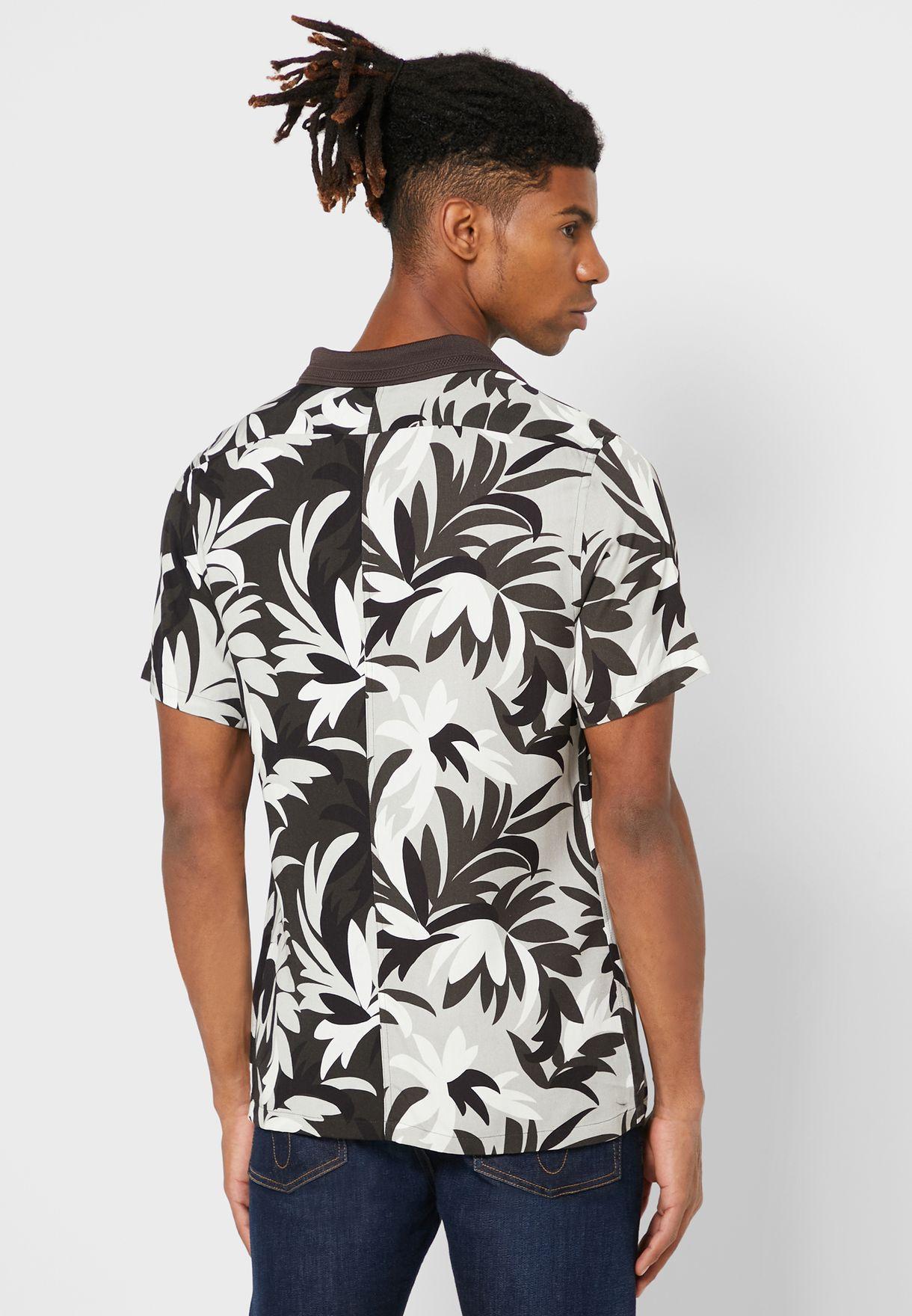 قميص سليم فت بطبعات اوراق نخيل