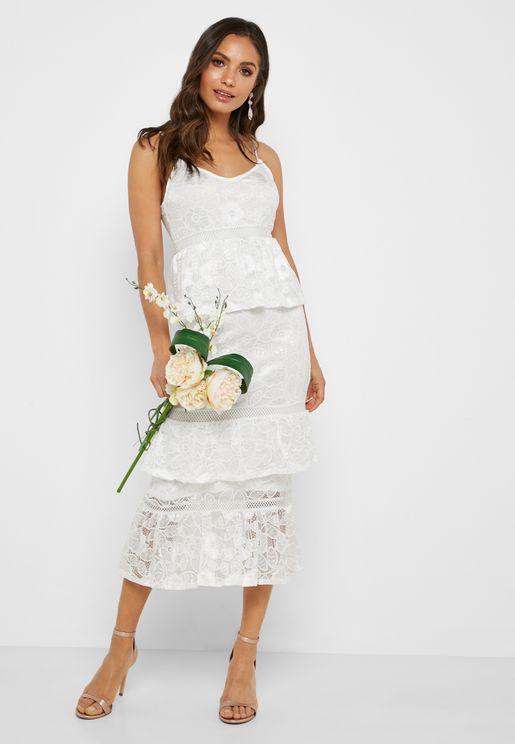 فستان دانتيل عصري