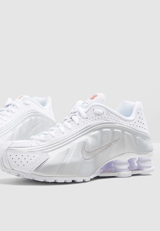 7622977be8aa Nike Luxury Sneakers for Women and Men