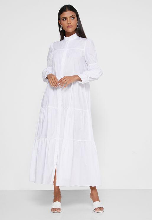 فستان بأزرار وطبقات متعددة