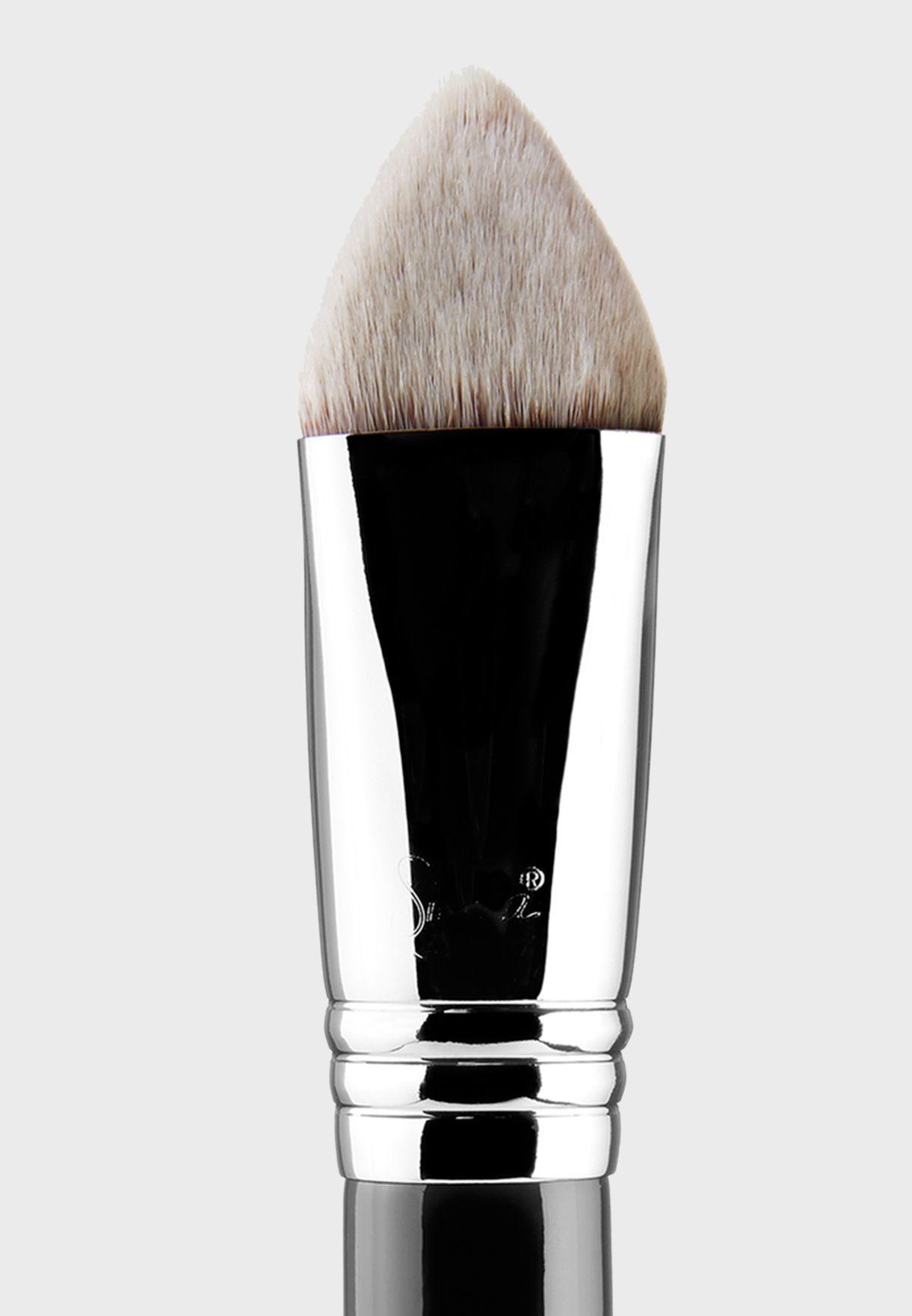 4 DHD Kabuki Brush