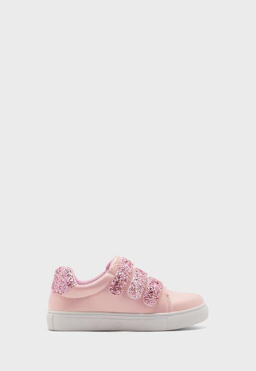 حذاء سنيكرز مزين بترتر