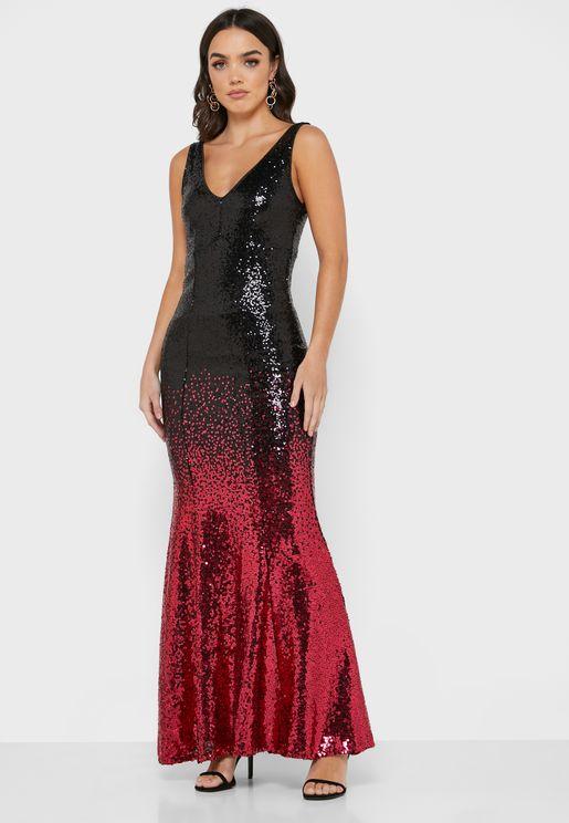 فستان بنمط كتل الالوان ومزين بالترتر