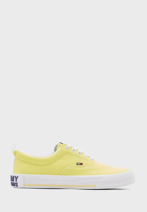 Essential Low Top Sneaker - ZIO