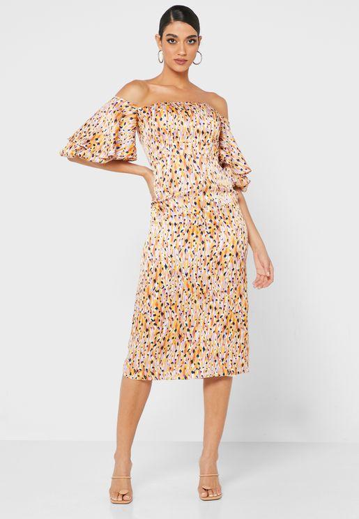 فستان مكشوف الاكتاف بطبعات حيوانية