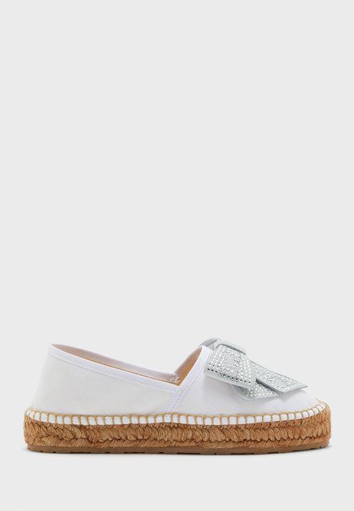 حذاء واسع سهل الارتداء بشعار الماركة