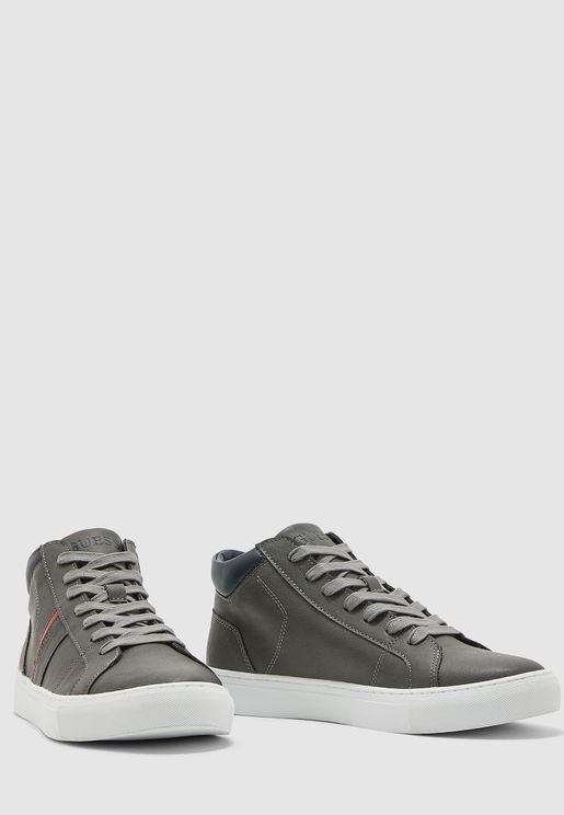 حذاء سنيكرز ملون