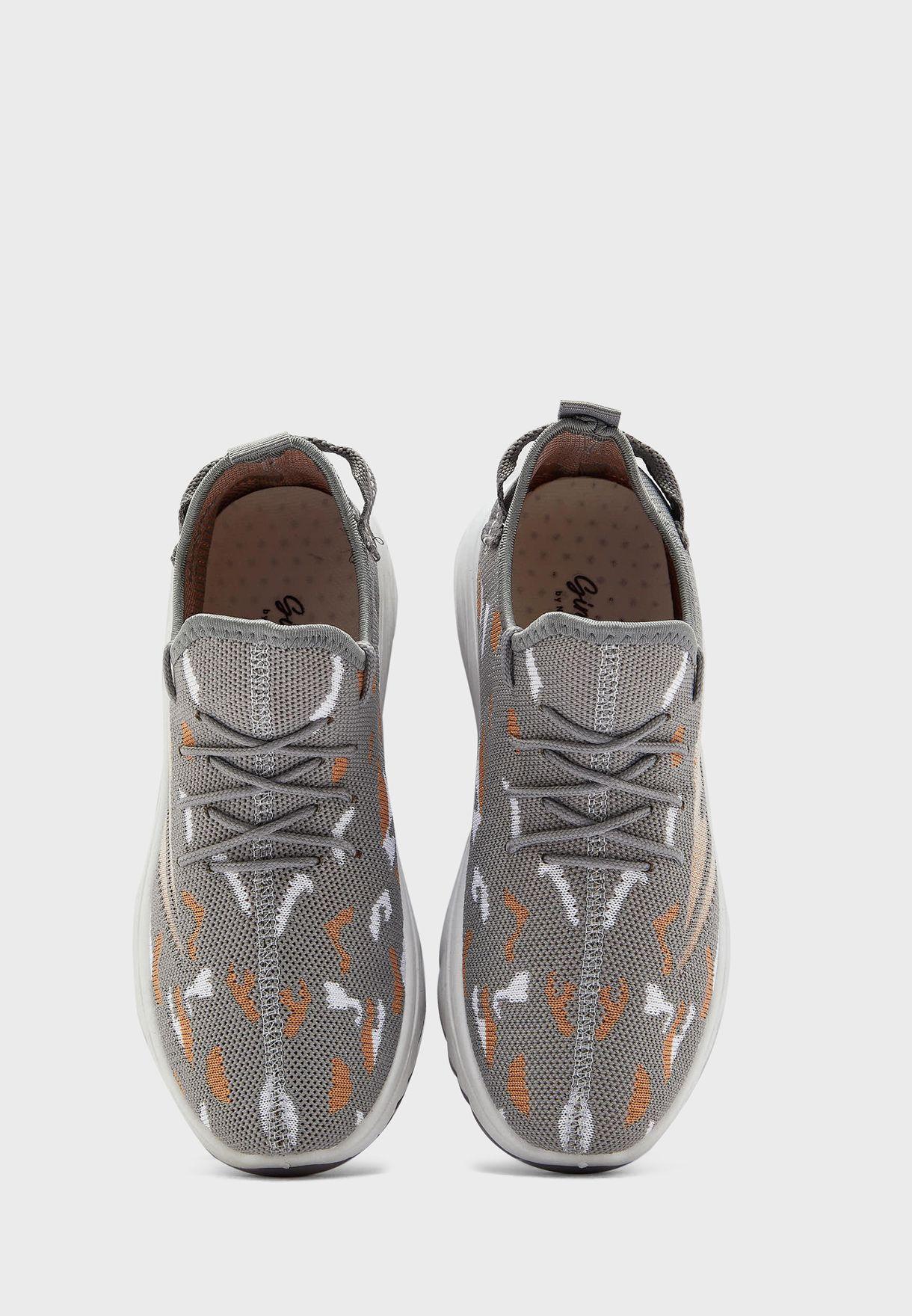 Pattern Lace Up Knit Sneaker