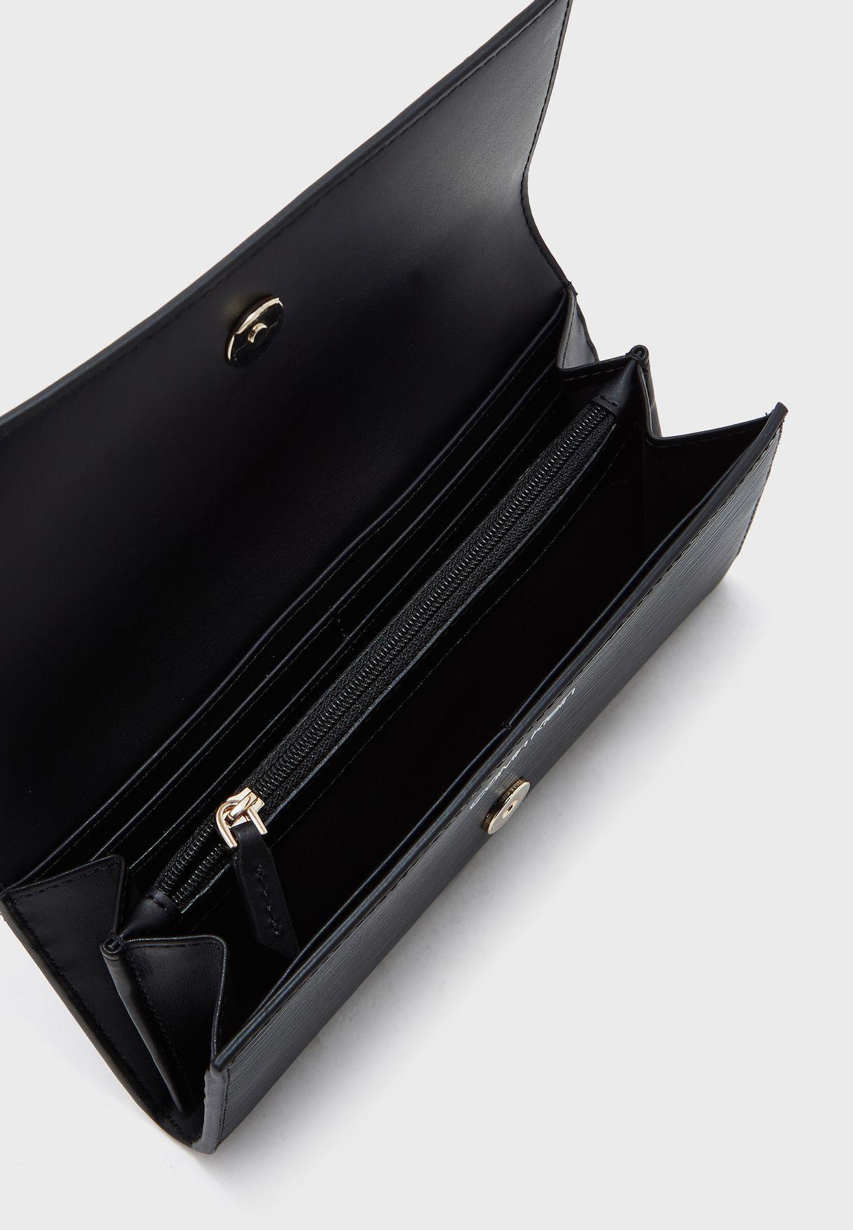 محفظة كبيرة بثلاث طيات
