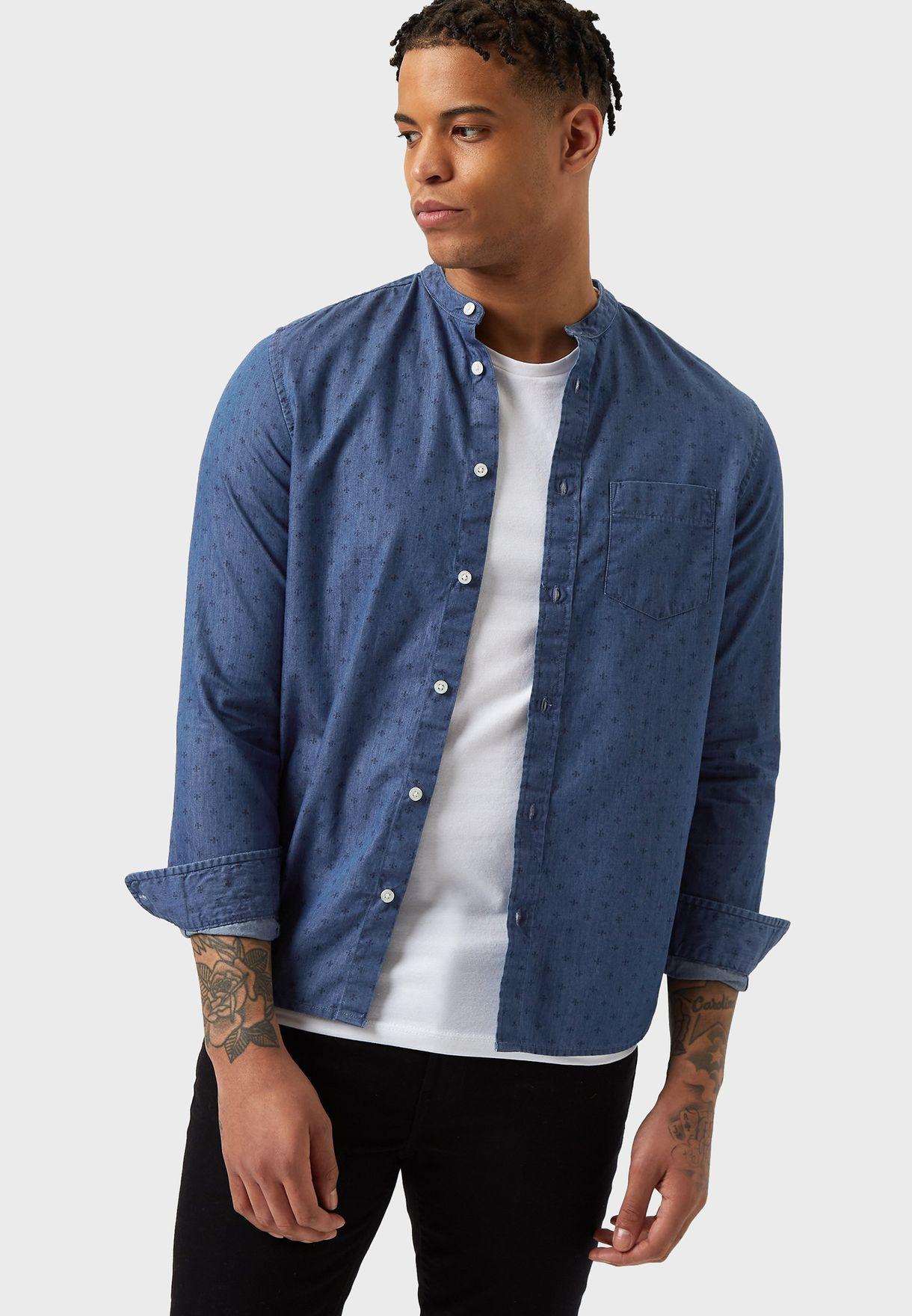 قميص جينز بياقة عالية