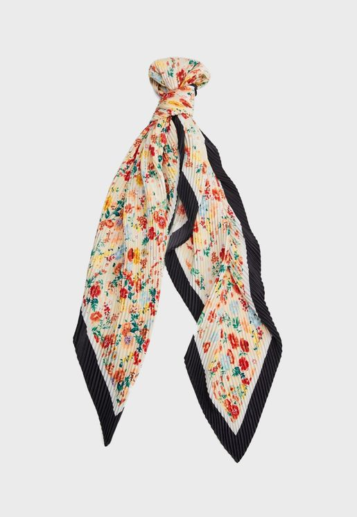 Country Flowered Pleated Scarf