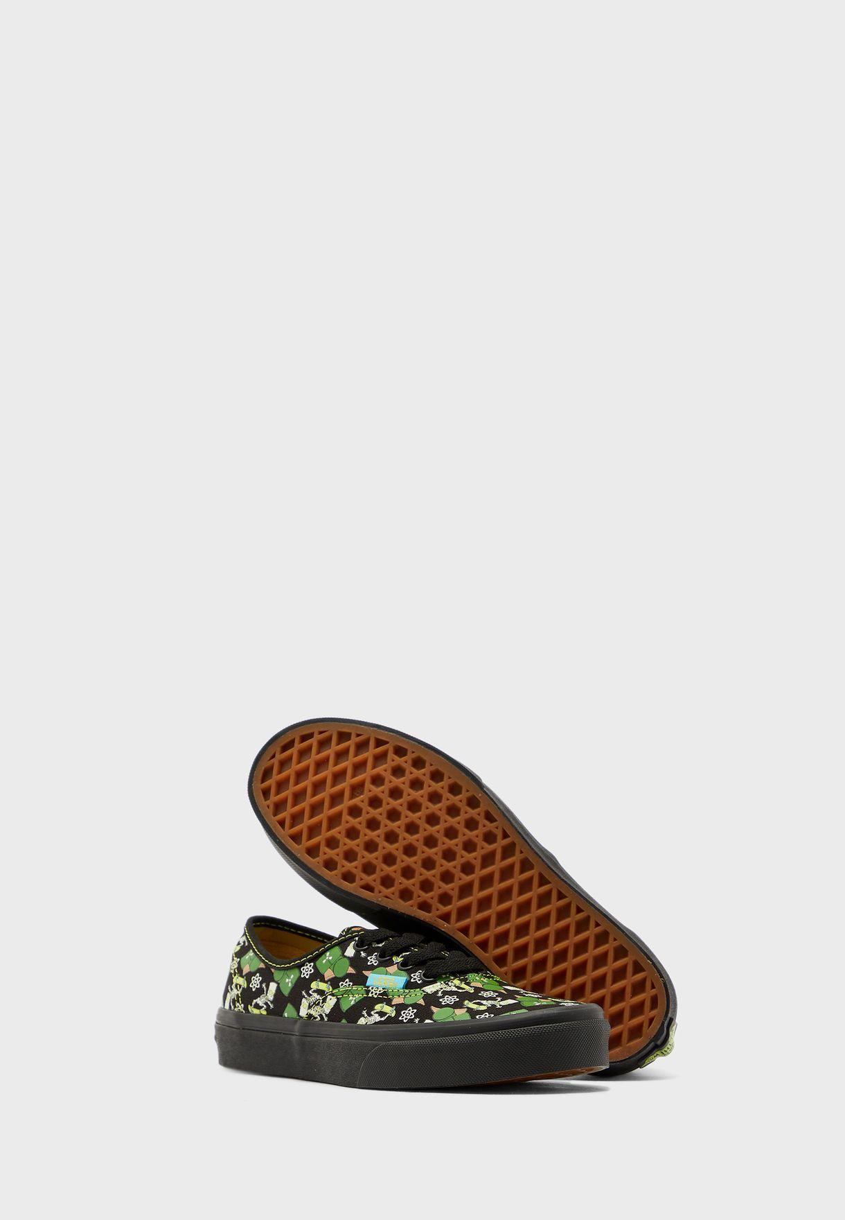 حذاء مطبع من مجموعة  ذا سيمبسونز فاملي