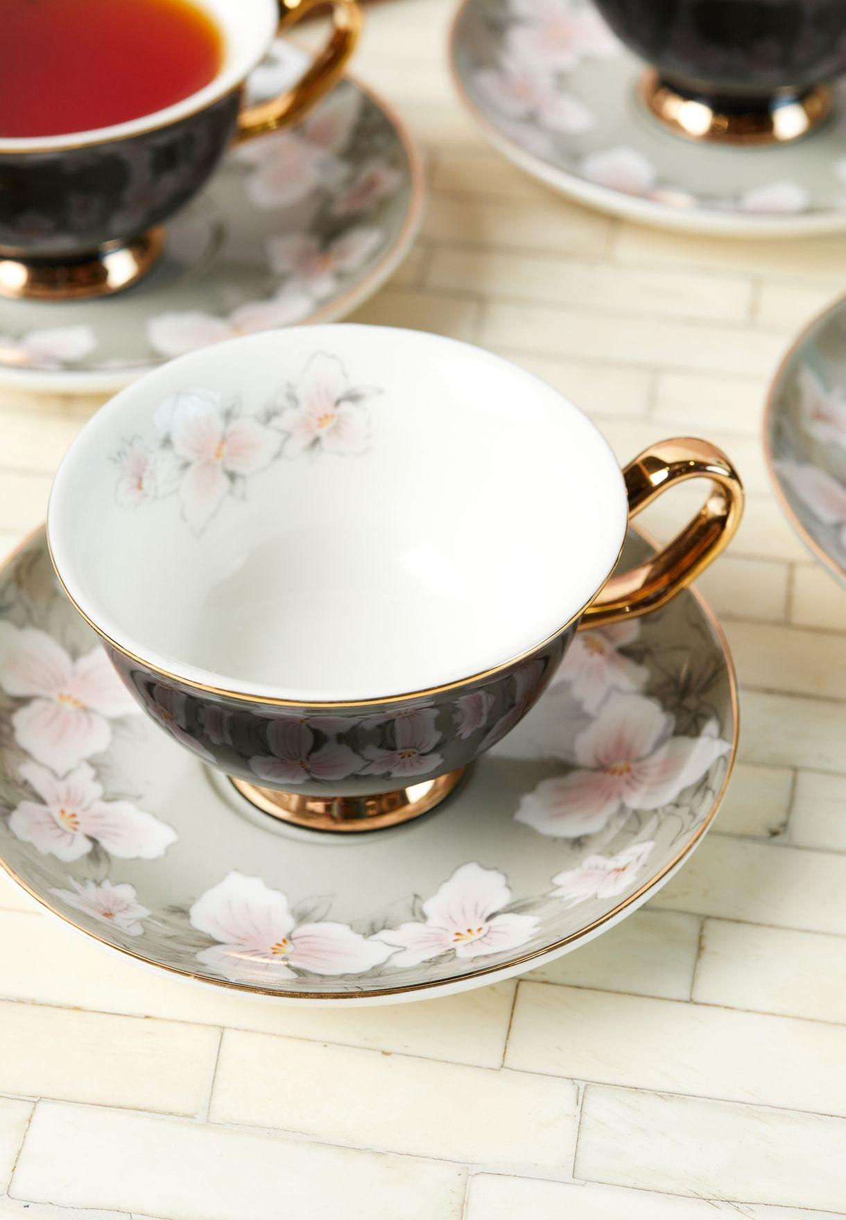 طقم شاي بطبعة ورود