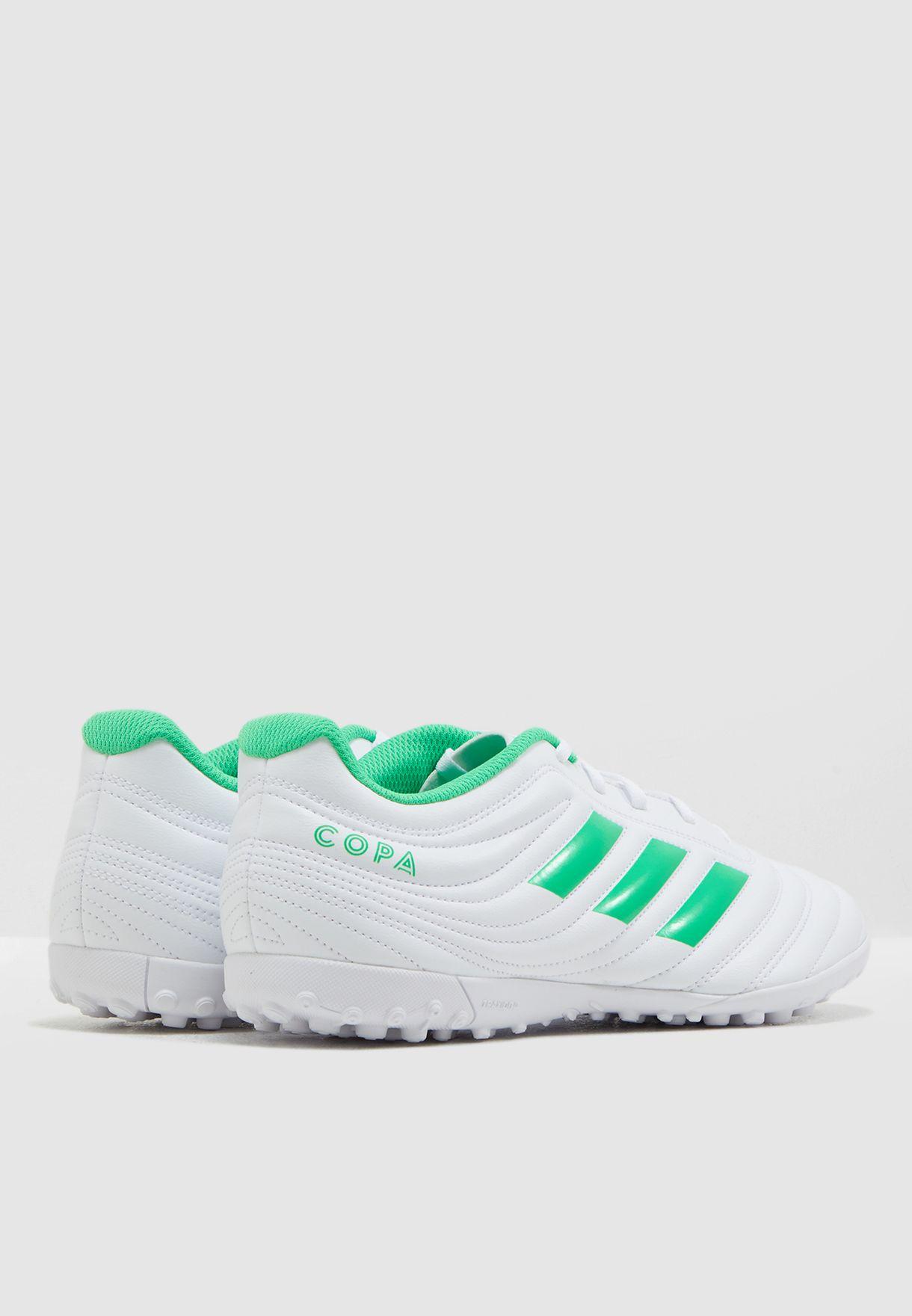 حذاء كوبا 19.4 للارض العشبية