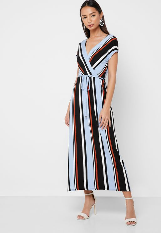 فستان مكسي بتصميم ملفوف