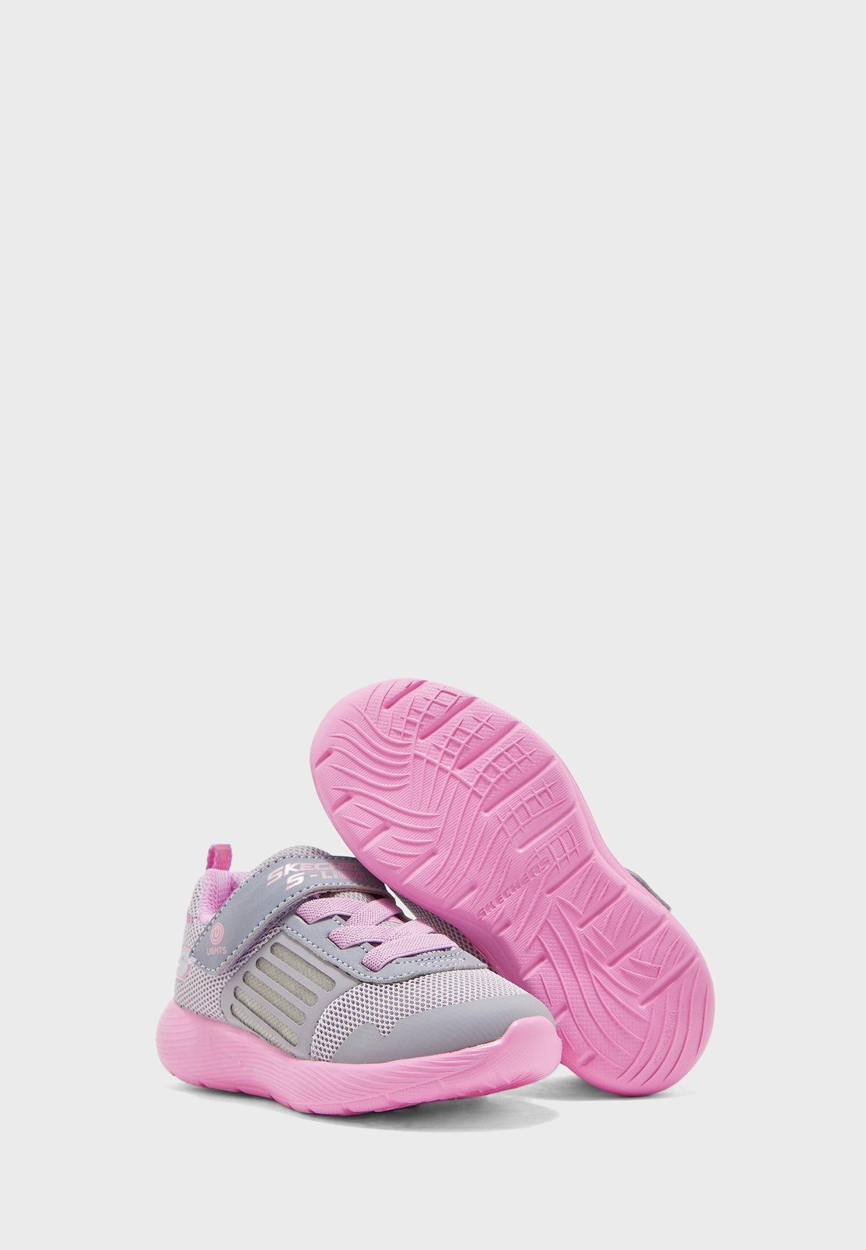 حذاء داينا لايتس