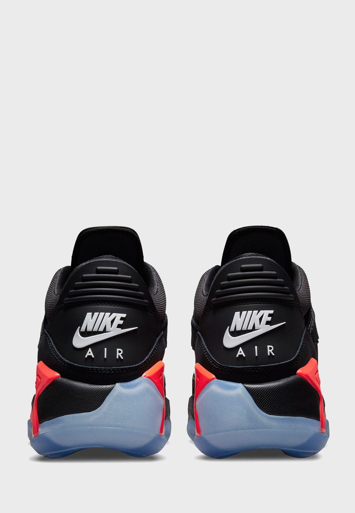 حذاء جوردن بوينت لاين
