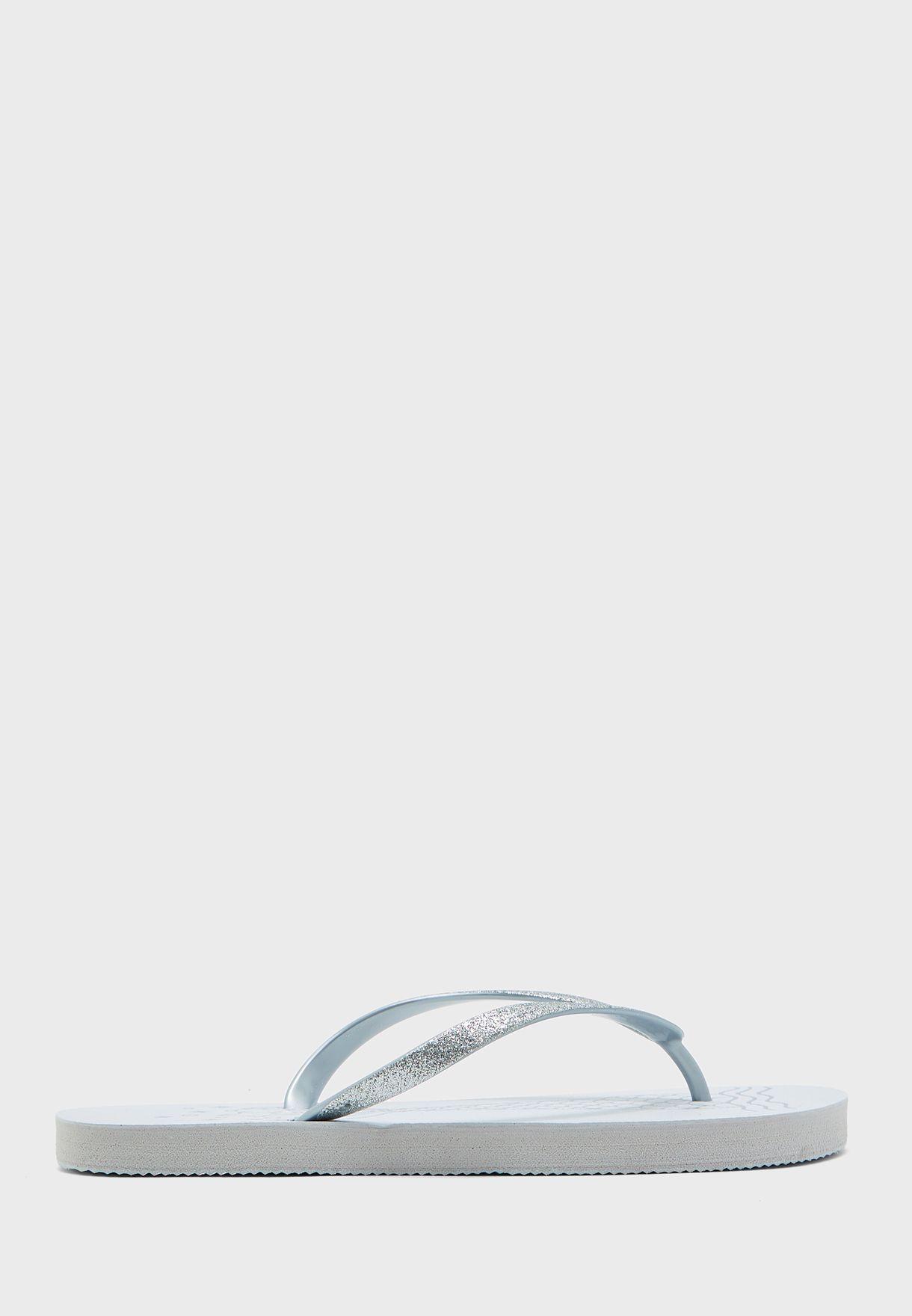 شبشب ثونغ بطبعات ذيل حورية البحر